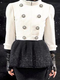 Chanel Haute Couture Fall/Winter 2011 - via: treshaute - Imgend