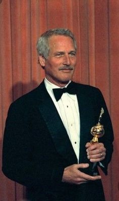 Previous Cecil B DeMille Award winners - AP Photo Paul Newman Robert Redford, Paul Newman Joanne Woodward, Old Movie Stars, Vintage Hollywood, Classic Hollywood, Actrices Hollywood, Marlon Brando, Por Tv, Hollywood Stars