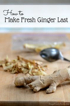 ***Peel it and freeze it*** Do you ever have ginger go bad waiting to be used in the next recipe? If you do, I've got a solution for you. Come on over and see how to make fresh ginger last longer. Whole Food Recipes, Cooking Recipes, Healthy Recipes, Cooking Hacks, Storing Fresh Ginger, I Love Food, Good Food, Classic Kitchen, Clean Eating