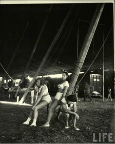"""The Circus Girls from Life Magazine, shot by the acclaimed photographer Nina Leen in we find our sassy subculture of circus girls in Sarasota, Florida, dubbed """"the home of the American circus"""". Old Circus, Circus Train, Dark Circus, Night Circus, Vintage Circus Photos, Vintage Photographs, Life Magazine, Creepy Circus, Barnum Bailey Circus"""