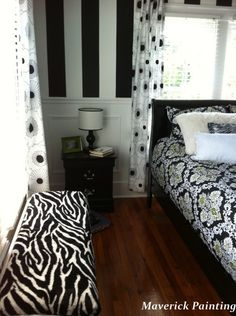 Zebra Teens Room    painting ideas