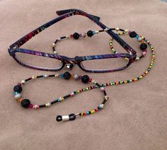 Eyeglass Chain Beaded Anklets, Beaded Jewelry, Granny Glasses, Diy Glasses, Eyeglass Holder, Jewelery, Jewelry Making, Glass Holders, Google Search