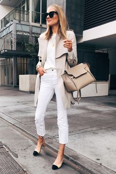 Womens fashion style chic jeans 26 ideas for 2019 Look Fashion, Spring Fashion, Winter Fashion, Womens Fashion, Fashion Trends, Jeans Fashion, 50 Fashion, Fashion 2018, Daily Fashion