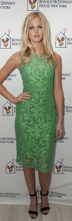 Who made Erin Heatherton's green scallop lace dress that she wore in New York on October Dress – Dolce & Gabbana Green Lace Dresses, Short Dresses, Beautiful Outfits, Cool Outfits, Fashion Dictionary, Erin Heatherton, Fashion Models, Women's Fashion, Celebrities