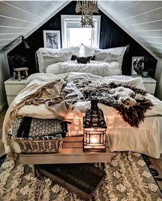 Boho Chic Interior Design - Bohemian Bedroom Design - Josh and Derek Boho Chic Interior, Bohemian Bedroom Design, Interior Design, Cosy Room, Look Boho, Boho Stil, Online Furniture Stores, Furniture Shopping, Teen Girl Bedrooms