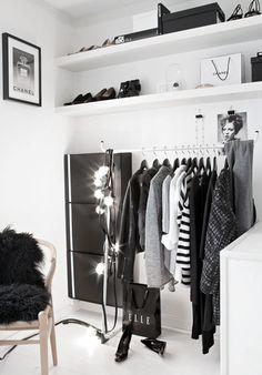 inspiracje w moim mieszkaniu: Pomysł na przenośną szafę z ubraniami / The idea f...