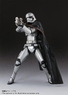 Captain Phasma 005 - SH Figuarts - Star Wars The Force Awakens °°