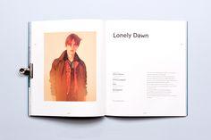 Tipografía y minimalismo en esta propuesta de Diseño editorial | paredro.com