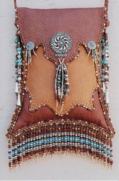 Beaded fringe turquoise and silver. Beaded Purses, Beaded Bags, Leather Pouch, Leather Purses, Leather Bags, Mojo Bags, Handmade Purses, Leather Pattern, Leather Projects