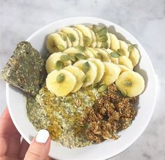 matcha chia overnight oats {rolled oats, chia seeds, hemp seed, vital proteins vanilla and coconut water collagen peptides, matcha, honey, & almond milk}