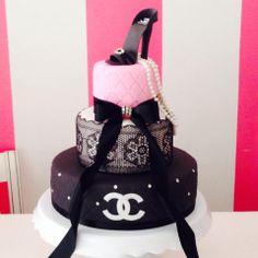 Bonita Bolos | Chanel cake