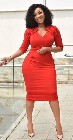 Office fashion dress - - Serwaa Amihere looking gorgeous in this beautiful office dress Source by Source by LiaWomenFashion Office Dresses Classy Work Outfits, Classy Dress, Chic Outfits, Dress Outfits, 30 Outfits, Office Dresses For Women, Office Outfits Women, Dresses For Work, Summer Dresses
