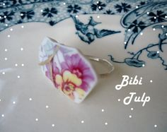 Whoohoo! A new line called 'Bibi'. This is the first ring in line. Try to get an hold on it ;) Find this beauty on Etsy