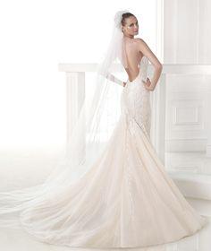 CLARISA - Vestido de novia corte sirena. Pronovias 2015 | Pronovias