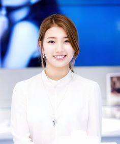Suzy - Beauty in White Korean Girl, Asian Girl, Korean Idols, Modern Hanbok, Miss A Suzy, Bae Suzy, Korean Artist, Korean Celebrities, Interesting Faces