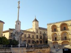 Plaza de Triunfo (Córdoba, España) photo: Robert Bovington   #Cordoba #Andalusia #Spain #España http://bobbovington.blogspot.com.es/