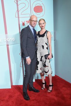 Kate Bosworth Photos Photos - CEO, HUGO BOSS Mark Langer and actress Kate Bosworth attend HUGO BOSS and GUGGENHEIM celebration of the 20th Anniversary of the HUGO BOSS Prize at Solomon R. Guggenheim Museum on October 20, 2016 in New York City. - HUGO BOSS and GUGGENHEIM Celebrate the 20th Anniversary of the HUGO BOSS Prize - Arrivals