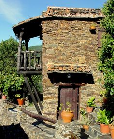 Great Places, Beautiful Places, Living In Denver, Portuguese Culture, Spain And Portugal, Tuscan Style, Stone Houses, Places To Visit, Nature Images
