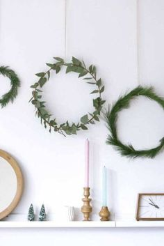 DIY Weihnachtsdeko und Bastelideen zu Weihnachten, skandinavische Kränze basteln aus Tannenzapfen, Tannenzweigen