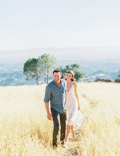 Country Engagement Photos A Simple Outdoor Engagement Session in Santa Ynez - Proof Simple Engagement Sessions Can Be Wildly Chic Paris Engagement Photos, Engagement Shots, Country Engagement, Engagement Photo Outfits, Engagement Photo Inspiration, Engagement Pictures, Engagement Photography, Wedding Photography, Couple Photography