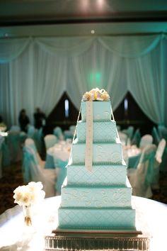 tiffany blue wedding cake.