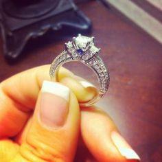 Vera Wang LOVE Collection 2-3/4 CT. T.W. Princess-Cut Diamond Three Stone Bridal Set in 14K White Gold