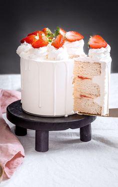 Cake Chocolat, Diy Cake, Cake Designs, Vanilla Cake, Food To Make, Cake Recipes, Wedding Cakes, Layers, Birthday Cake