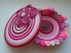 Jewelry box - quilled - and a short tutorial video.