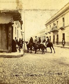 Calle Florida, Salta, It looks like the Wild West! Antique Photos, Light And Shadow, Vintage Photography, Wild West, Old World, Collage Art, Street View, America, City