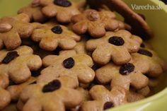 Mäkké medovníčky (fotorecept) - recept   Varecha.sk Slovakian Food, Croatian Recipes, Biscotti, Christmas Cookies, Cereal, Breakfast, Cake, Foods, Basket