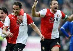 18-Oct-2013 14:37 - FITTE BAKKAL IN WEDSTRIJDSELECTIE VAN FEYENOORD. Otman Bakkal kan zaterdag zijn eerste officiële wedstrijd voor Feyenoord voetballen, sinds zijn terugkeer in De Kuip. De middenvelder maakt...