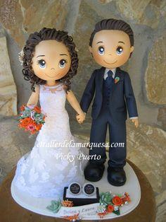 Otra preciosa pareja de novios hecha por encargo Para contacto, en el formulario de contacto del blog, en el correo lamarquesadelpuerto@gm...