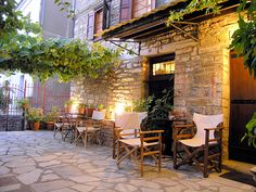 Cafe' at Lafkos Ancient Greek Theatre, Places In Greece, Greek Beauty, Backyard Bar, Ancient Ruins, Thessaloniki, What A Wonderful World, Beautiful Architecture, Greek Islands