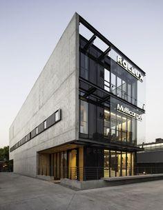 Showroom MULTICARPET ROLLUX / +arquitectos: