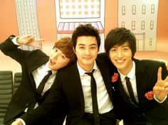 Kim Ji Hoon, Yoon Shi Yoon, and Mizuta Kouki on the set of Flower Boy Next door :)