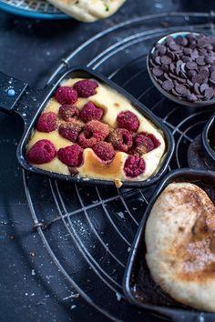 Raclette-Spezial: Süßes Pfännchen Schlemmen - Another! Apple Crisp Pizza, Apple Crisp Cheesecake, Baileys Cheesecake, Cheesecake Cupcakes, Pavlova, Fondue, Party Desserts, Vegan Dinners, Food Inspiration