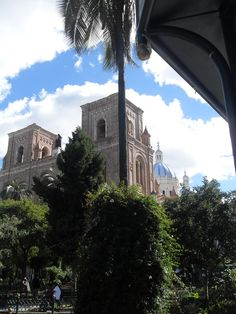 Churches in Ecuador - www.retire-in-ecuador.com