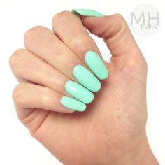 Mint pastel nail art