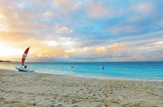 Grace Bay in Turks & Caicos (Flickr: Matthew Straubmuller)