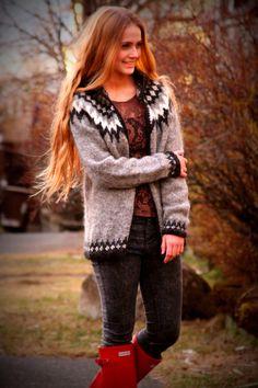 Icelandic Sweater Lopapeysa Handmade 100 pure Wool by pureIceland black white gray Icelandic Sweaters, Warm Sweaters, Black Hood, Black White, Nordic Sweater, Fair Isle Knitting, Fair Isles, Mantel, Lana