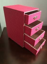 reciclagem-decoracao-caixa-de-leite11 Makeup Organization, Room Organization, Jewelry Drawer, Diy Cardboard, Bracelet Crafts, Lilo And Stitch, Filing Cabinet, Diy And Crafts, Storage
