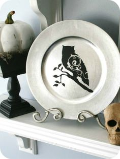 This website sells vinyl decals for plates, jars, glass or any project.