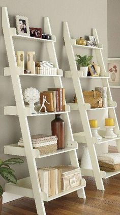35 Essential Shelf Decor Ideas (A Guide to Style Your Home) bedroom livingroom kitchen ikea builtin wall modern teen diy floating HomeDecorIdeas 661818107721859332 Living Room Designs, Living Room Decor, Bedroom Decor, Bedroom Ideas, Ikea Bedroom, Modern Bedroom, Ladder Shelf Decor, Ladder Bookshelf, Leaning Bookshelf