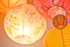 Inspiring image asia, chinese lantern, lampion Resolution: Find the image to your taste! Floating Paper Lanterns, Chinese Lanterns, Chinese Lamps, Shade Umbrellas, Paper Umbrellas, Diy Wedding Decorations, Flower Decorations, Wedding Ideas, Chandeliers