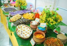Get some inspiration on how to throw a Filipino-themed party! Filipino Food Party, Filipino Wedding, Filipino Desserts, Filipino Recipes, My Birthday Cake, Birthday Party Themes, Filipiniana Wedding Theme, Party Giveaways, Fiesta Theme Party