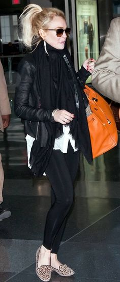 Who made Lindsay Lohan's orange handbag, sunglasses, leopard flat shoes, and black scarf that she wore on April 7, 2011?