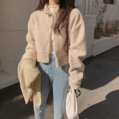 Korean Winter Outfits, Korean Casual Outfits, Korean Outfit Street Styles, Korean Fashion Winter, Korean Girl Fashion, Ulzzang Fashion, Korean Street Fashion, Kpop Fashion Outfits, Mode Outfits