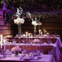 table de mariage hiver en violet et blanc