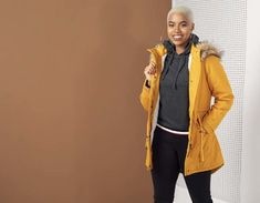 4 Fashionable ways to wear hooded tops - Ackermans Magazine Khaki Green, Green And Grey, Athleisure Trend, Winter Trends, Different Styles, Parka, Color Pop, Hoods, Fashion Beauty