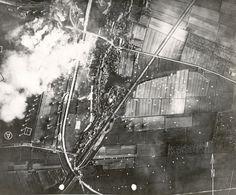 Waalhaven, Rotterdam-Zuid in de ochtend van 10 mei 1940. Een schitterende luchtfoto van de zuidoost hoek van het vliegveld Waalhaven, vrijwel zeker genomen op de ochtend van 10 mei 1940 door een Duitse verkenner.